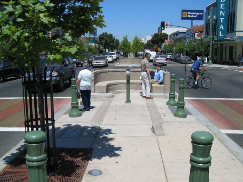 Avenue Plaza 2